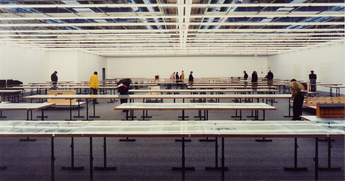 Centre georges pompidou 1995 by andreas gursky the for Art minimal pompidou