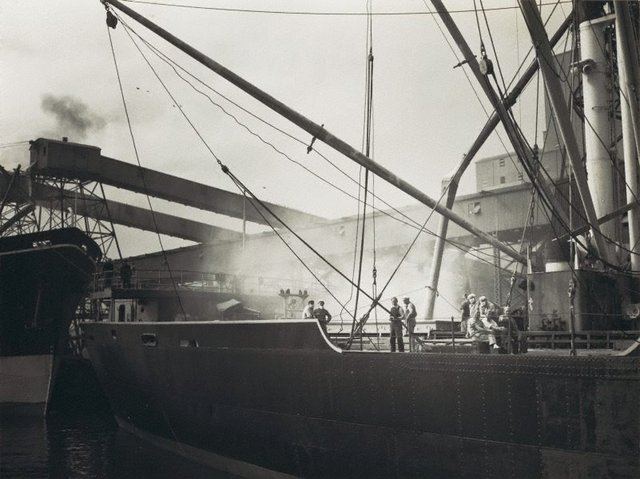 An image of Untitled (loading a ship)