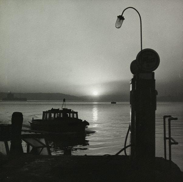 An image of Untitled (sunrise on Sydney harbour)
