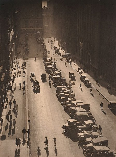 An image of The Canyon, Martin Place by Harold Cazneaux