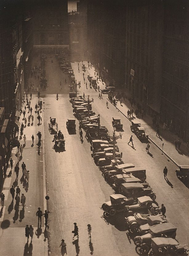 An image of The Canyon, Martin Place