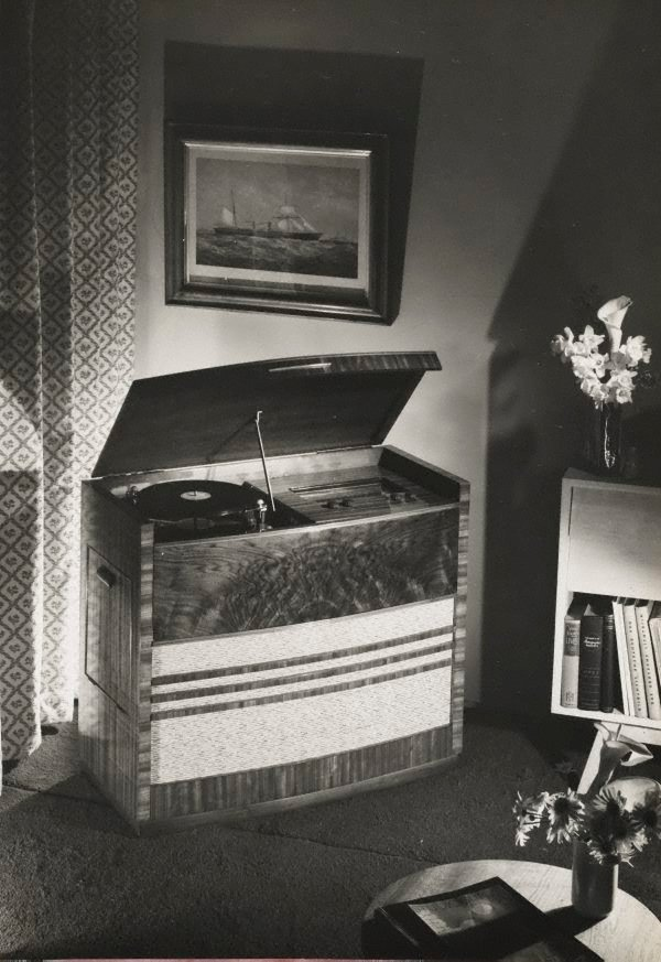 An image of Untitled (record player)