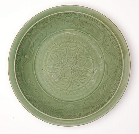 An image of Large shallow dish by Longquan ware