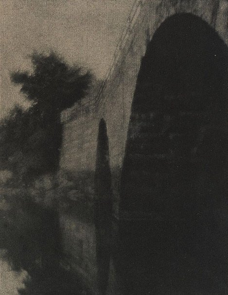 An image of The bridge, Ipswich, from Camera Work, no 6, April 1904 by Alvin Langdon Coburn