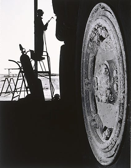 An image of Grant Guerin in the truckshop, Mt Gunson by Gerrit Fokkema
