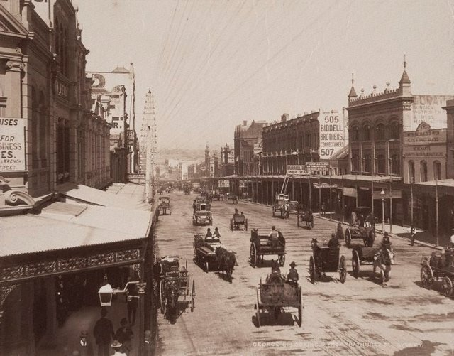 An image of George St. looking South from Bathurst St. Sydney