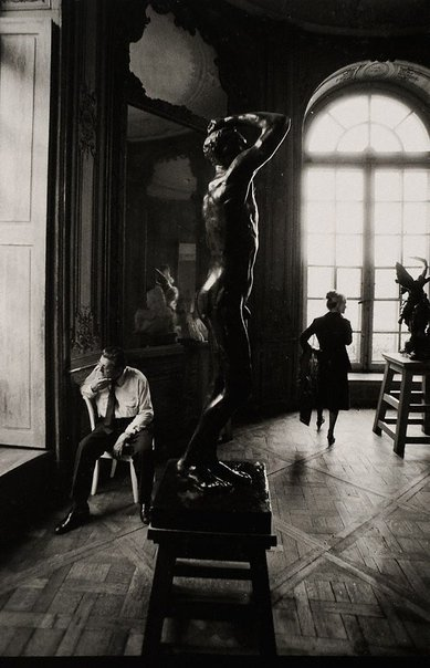 An image of Pat at the Musée Rodin, Paris by Lewis Morley