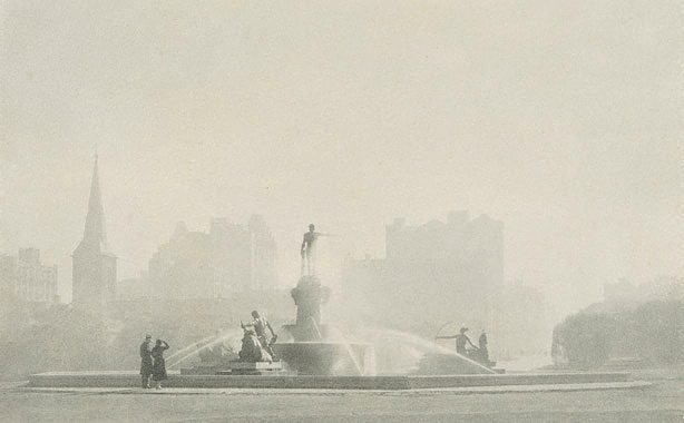 An image of Archibald Fountain, winter morning