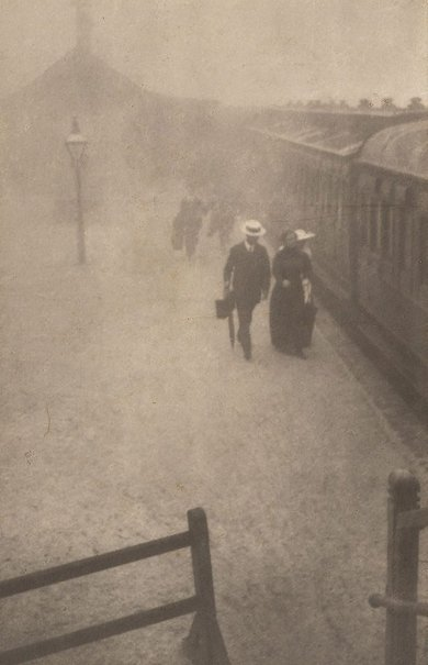 An image of Bound east by Harold Cazneaux
