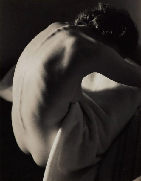 An image of Nude by Max Dupain