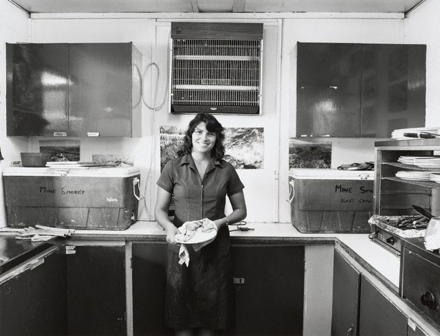 An image of Maxine Mold in the crib room of Mt Gunson Mine