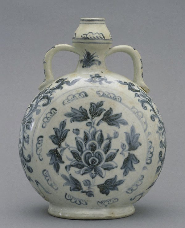 An image of Moon flask with flower design