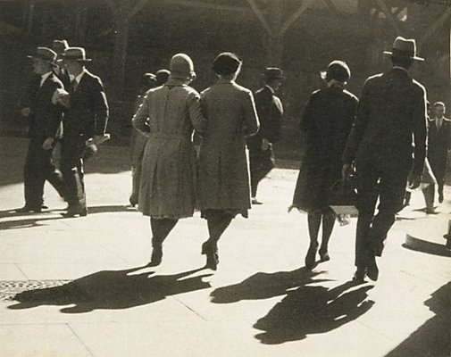 An image of Pedestrians by Henri Mallard