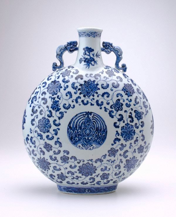 An image of Moonflask decorated with floral motifs