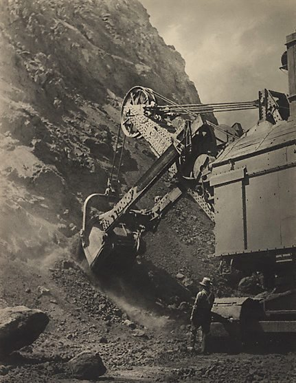 An image of The mountain of iron, Whyalla B.H.P. by Harold Cazneaux