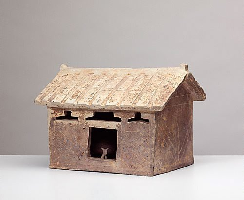 AGNSW collection Model of a house [with a dog inside the house] (early 1st century) 132.2002