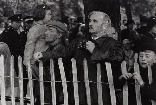 An image of Watching the trooping of the colour, London by Lewis Morley