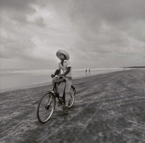 An image of Kuta Beach – Bali by Max Pam
