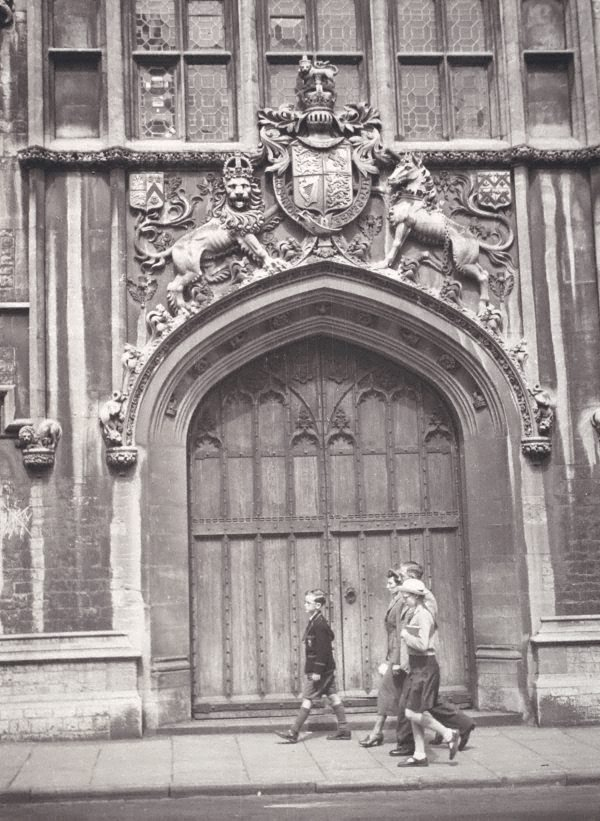 An image of Oxford doorway