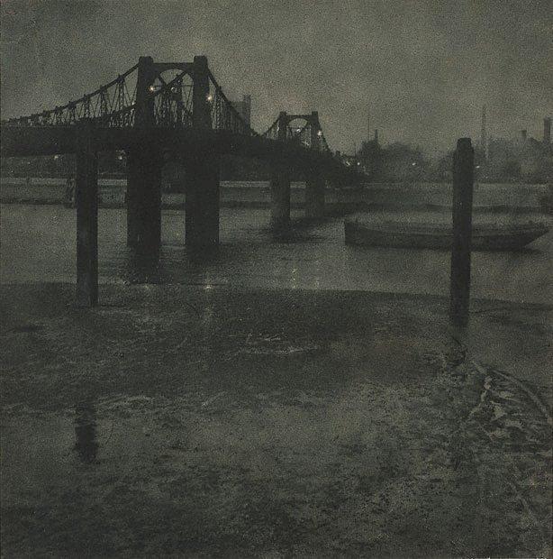 An image of Old Lambeth Bridge
