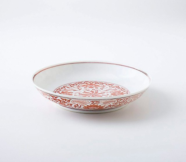 An image of Dish with floral decoration