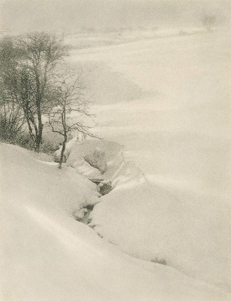 An image of The hillside, winter by Arthur Smith