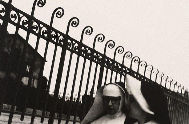 An image of Nuns, Paris