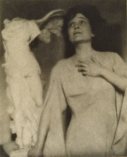An image of Winged Victory, from Camera Work, no 27, July 1909