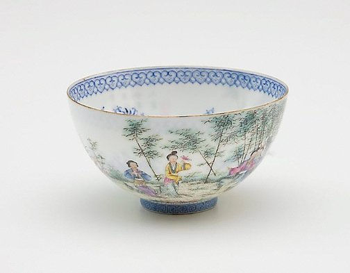 An image of Blue and white 'shining' bowl by