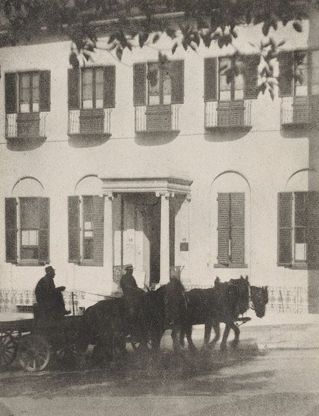 An image of The Old Treasury building by Harold Cazneaux