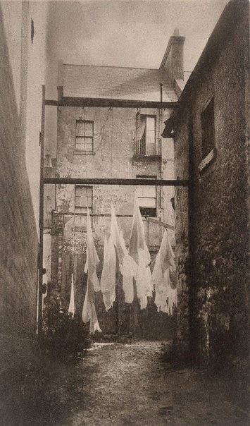 An image of Washing pattern, Woolloomooloo by Harold Cazneaux