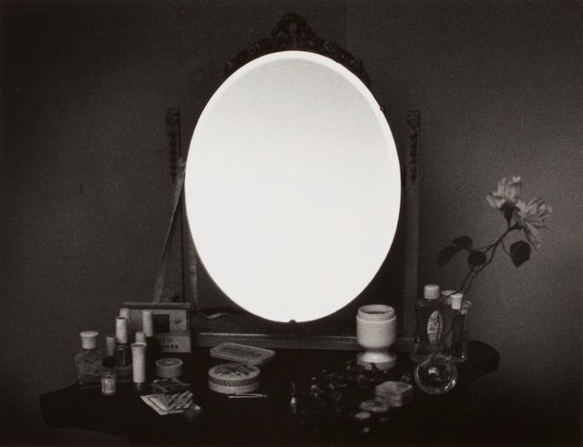 An image of Mirror image