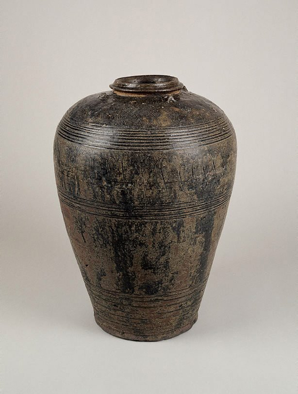 An image of Wine jar