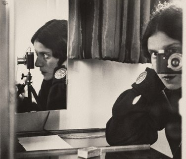 Self portrait with Leica, 1931, printed 1941 by Ilse Bing