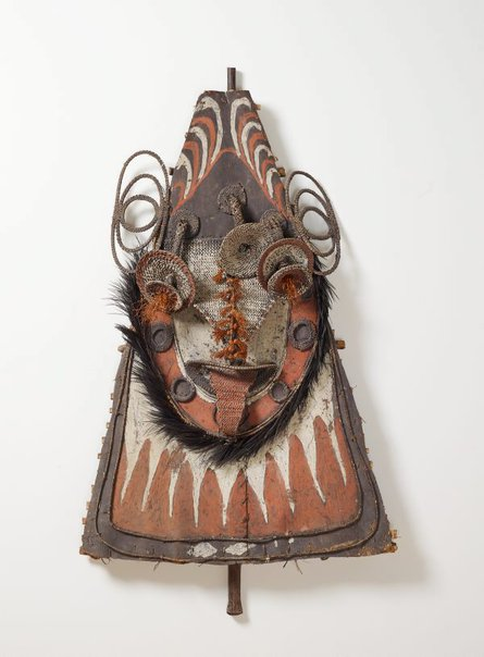 An image of Gable mask from ceremonial house facade by Sawos people