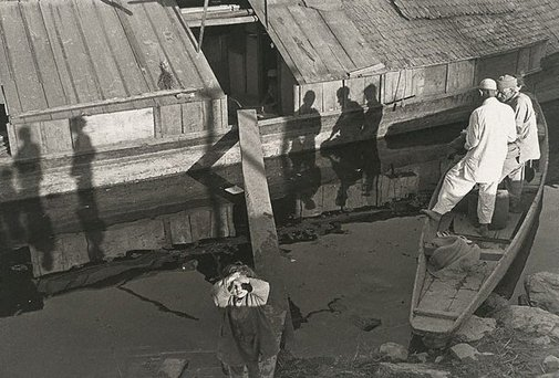 An image of Kashmir, India by Lewis Morley