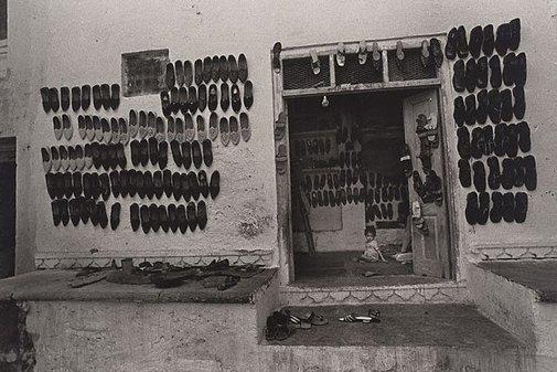 An image of Srinagar, India by Lewis Morley