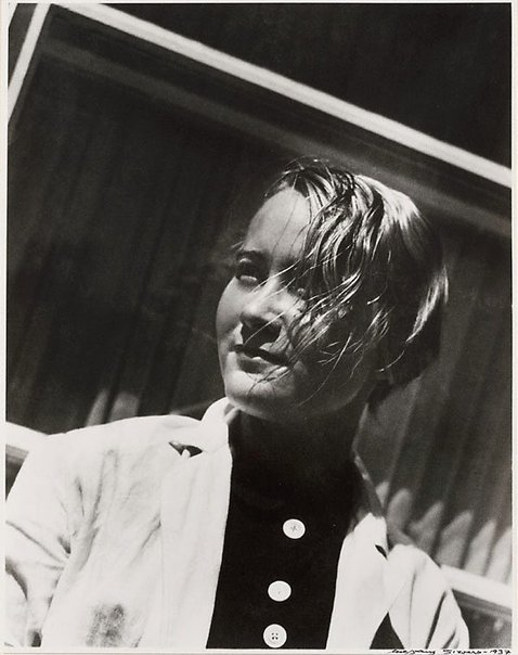 An image of Asta von Borch at the Contempora School in Berlin by Wolfgang Sievers