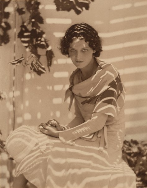 An image of Sun pattern (Dorothy Gadsby) by Harold Cazneaux
