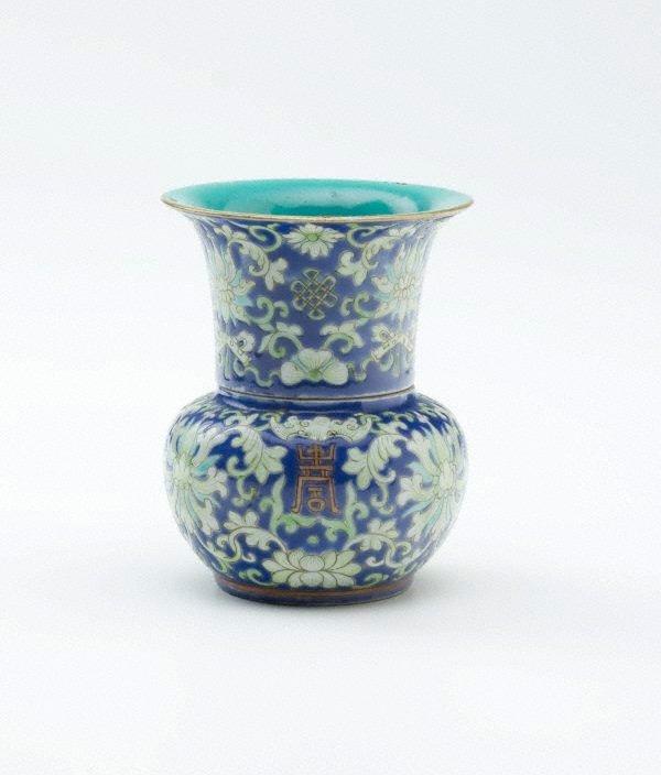 An image of Leys jar with lotus design
