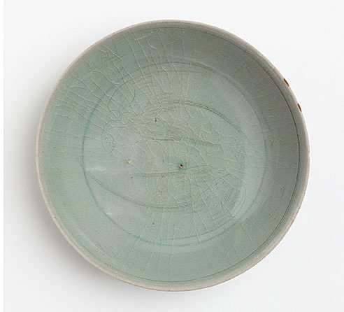 An image of Dish with incised design of two birds, probably parrots