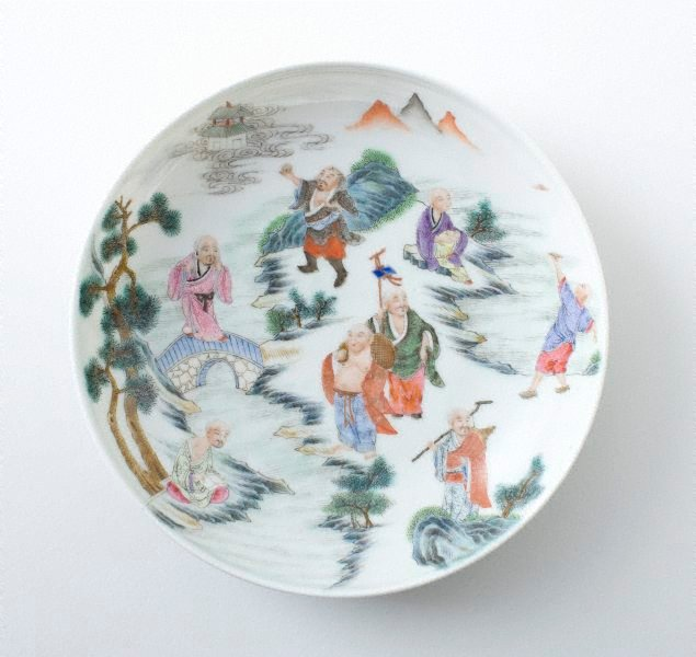 An image of Dish decorated with the eighteen 'luohan'