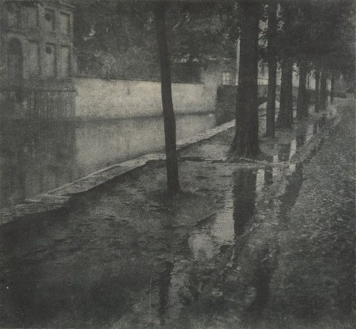 An image of Bruges (canal) by Francis J Mortimer