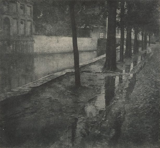 An image of Bruges (canal)
