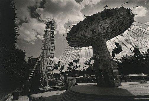 An image of Carousel, Place de la Concord, Paris by Lewis Morley