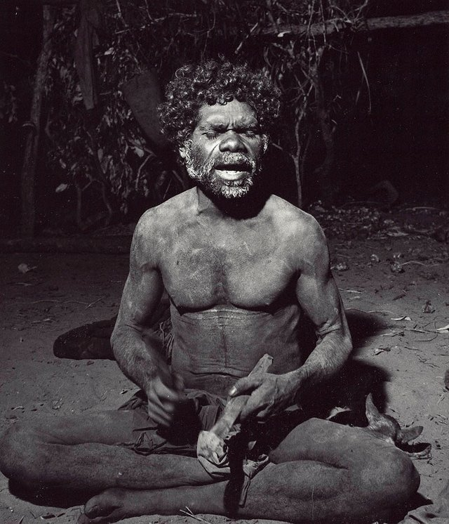 An image of Mangudja, singing his moraiin song, Liverpool River Arnhem Land