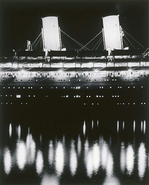An image of Liner by night by Max Dupain