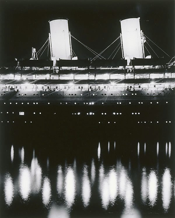 An image of Liner by night
