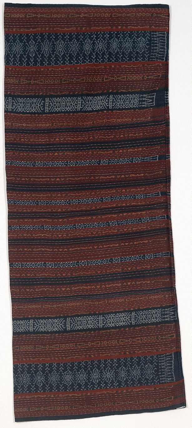 An image of Ceremonial tube sarong