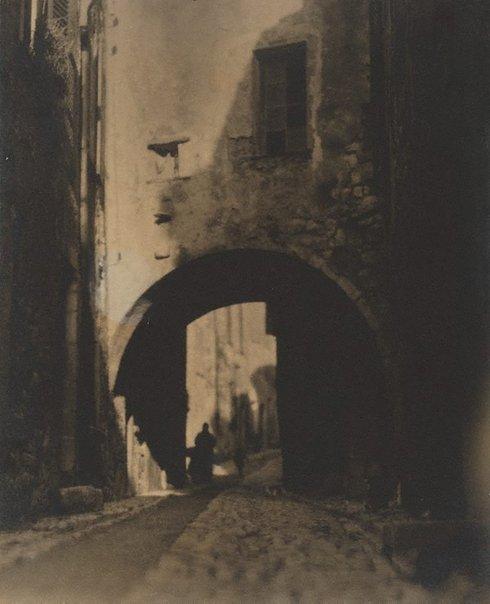 An image of La Grande Rue, St Paul by Pegg Clarke